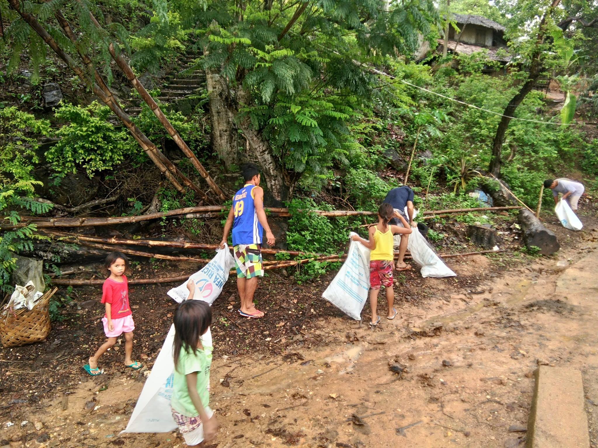 Les Philippines aussi fêtent leurs petites îles !  353
