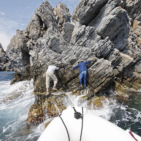Des conditions parfois difficiles pour les experts naturalistes venues étudier les petites îles !